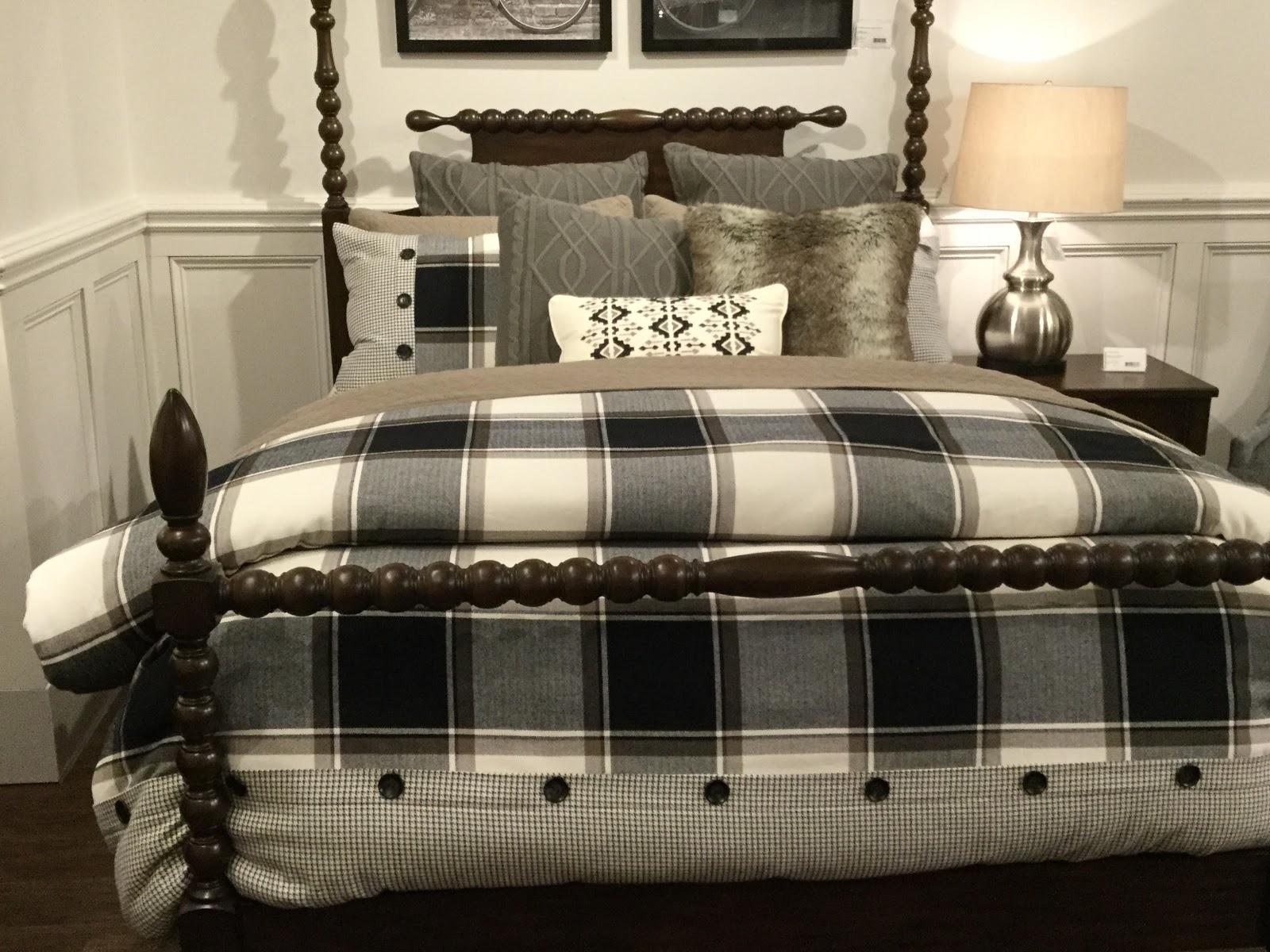 Cozy Bedding/Decorative Pillows 2