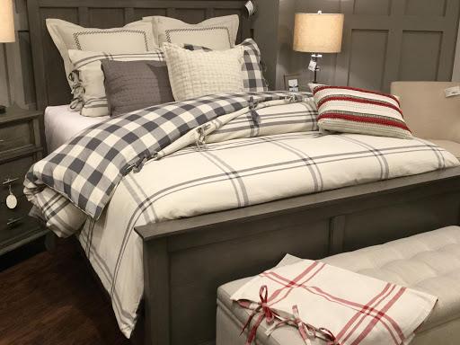 Cozy Bedding/Decorative Pillows 1
